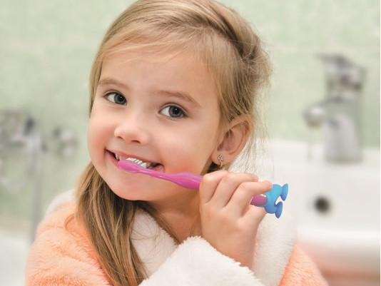 15 διασκεδαστικές ιδέες για να γίνει το βούρτσισμα των δοντιών των παιδιών παιχνίδι