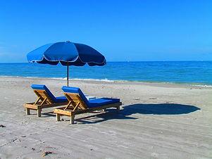 beach-382488_1920.jpg