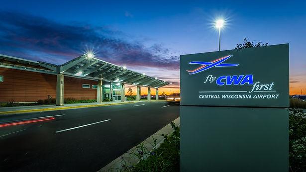 2017-10-18_CWA_Airport_020.jpg