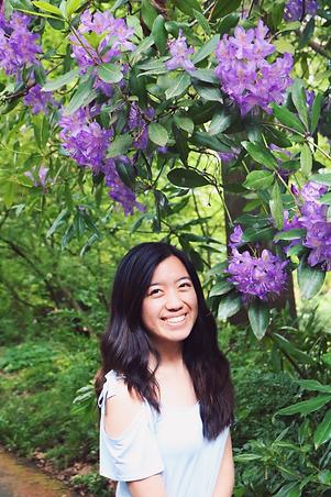 lauren's profile pic.png