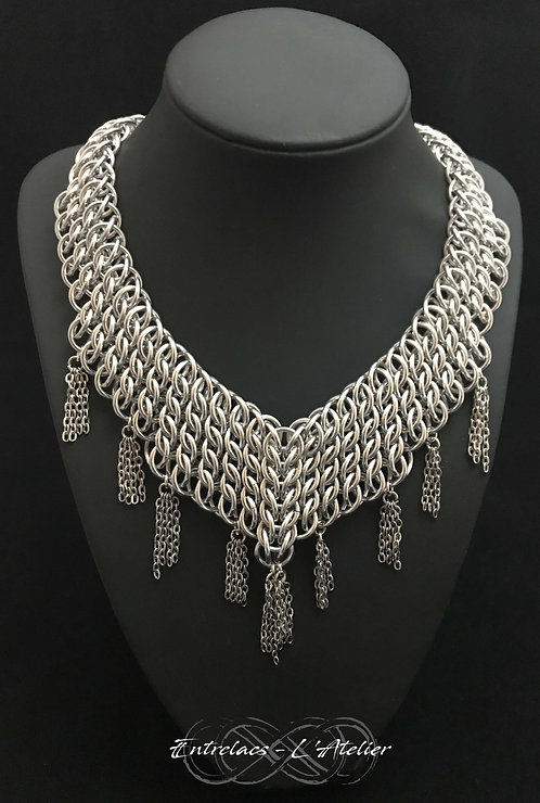 Collier Persian intuition