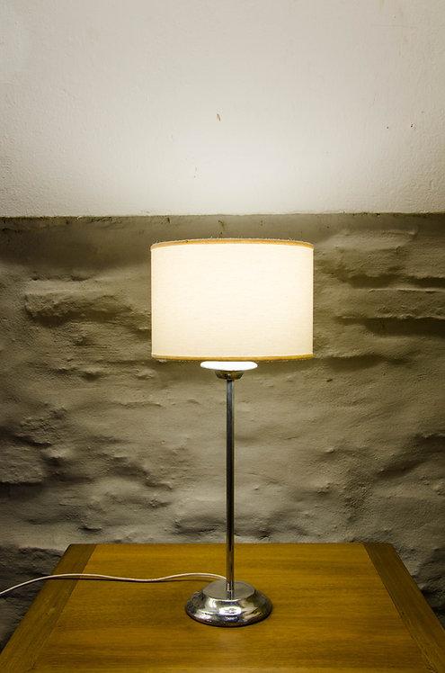 LAMPARA DE MESA PELTRINA