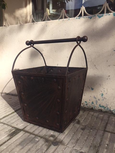 LEÑERO CUADRADO DE HIERRO