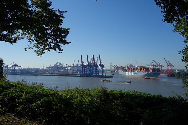 Hamburg Container Hafen.JPG