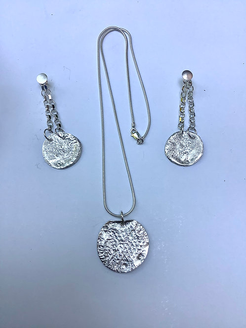 Small circle reticulated silver pendant and drop earrings