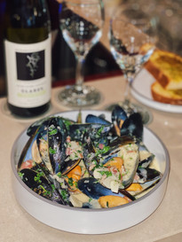 Mussels at Micawber ta