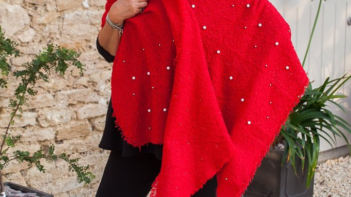 Soft large sequin and pearl wrap