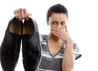 Как убрать неприятный запах из обуви.