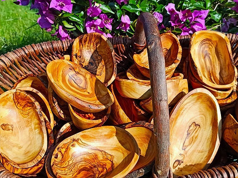 schalen,schuesseln und schaelchen aus olivenholz