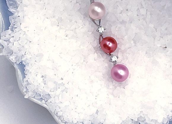 Delicate Tri Pendant