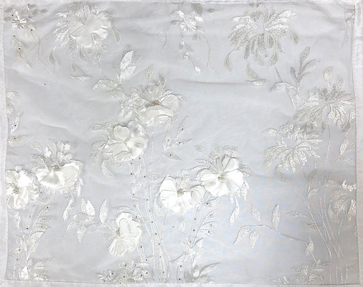 White with white background, 3d flowers