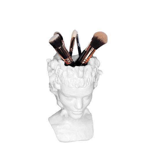 Скульптура органайзер в образе Медузы Горгоны, высота 24,5 см.