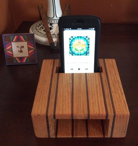 Acoustical iPhone amplifier box