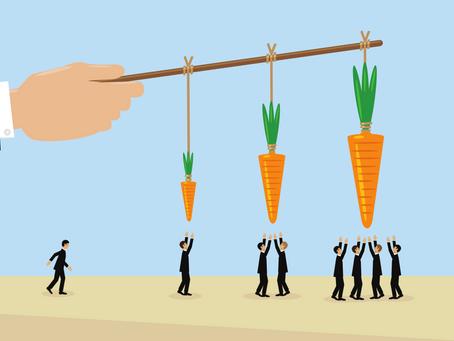 Do bonuses improve hedge fund manager performance?