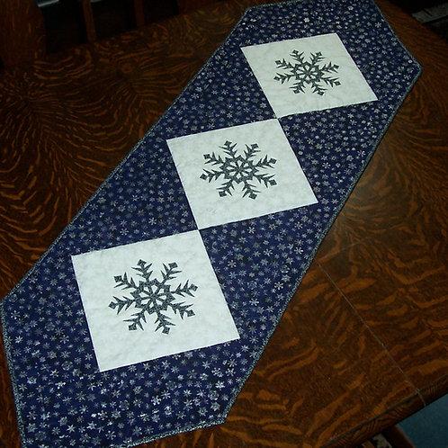 Snowflake Table Runner Fabric Kit & Pattern Christmas 3 or 4 Center Blocks