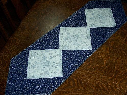 Snowflake Table Runner Fabric Kit & Pattern Christmas For 3 or 4 Center Blocks