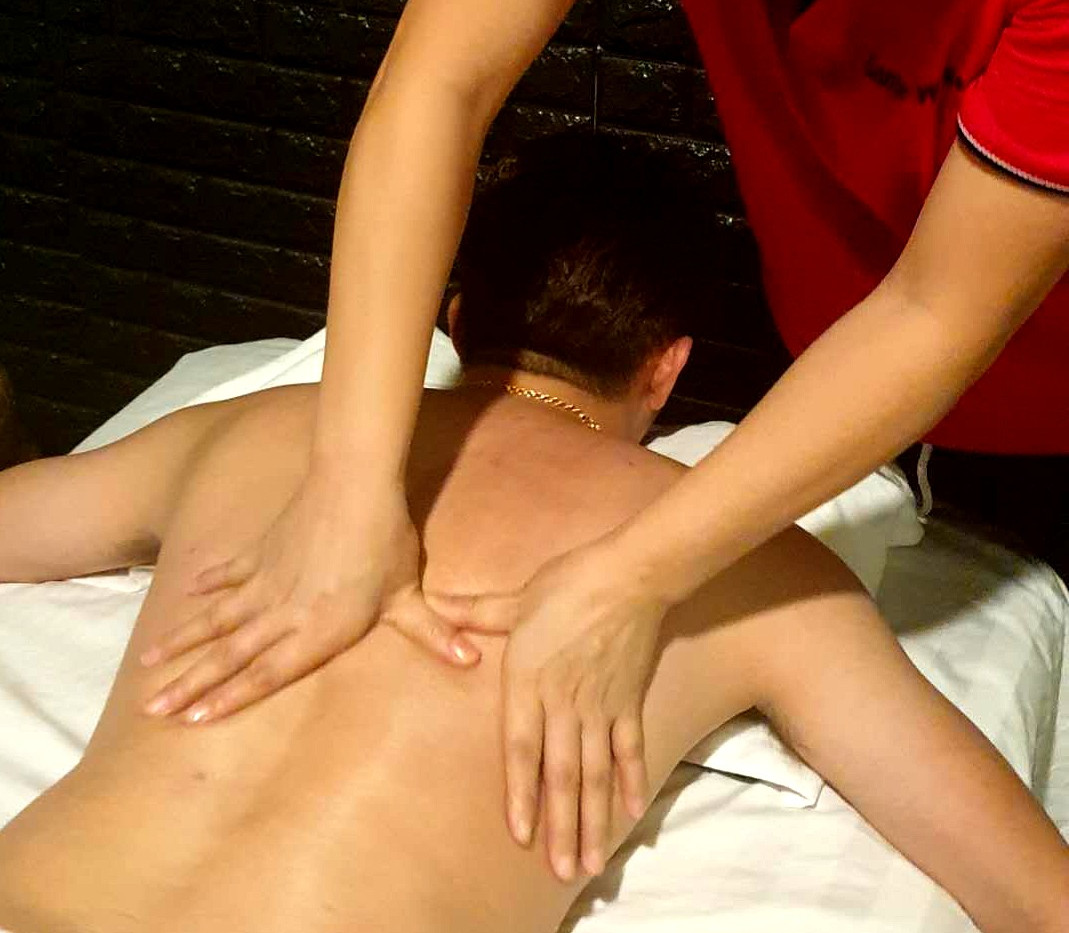 Shoulder & Back Massage