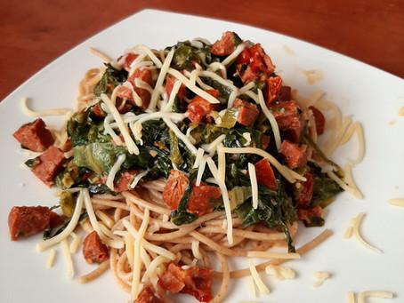 Makkelijke maaltijd: spaghetti met andijvie en chorizo.