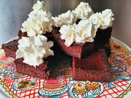 Suikervrije rode bietjes brownies.