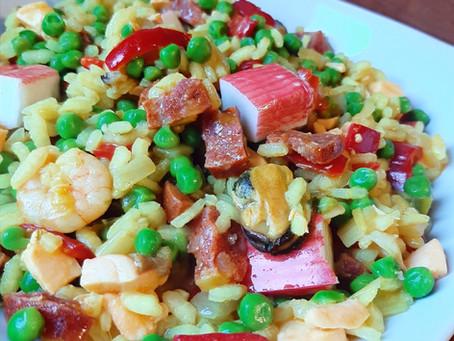 Risotto met chorizo, vis, paprika en doperwten