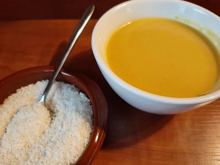 Romige pompoensoep met sinaasappel en kokosmelk