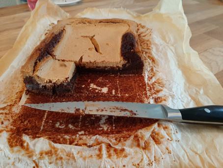 Herfstige baksel: brownie cheesecake met pompoen.