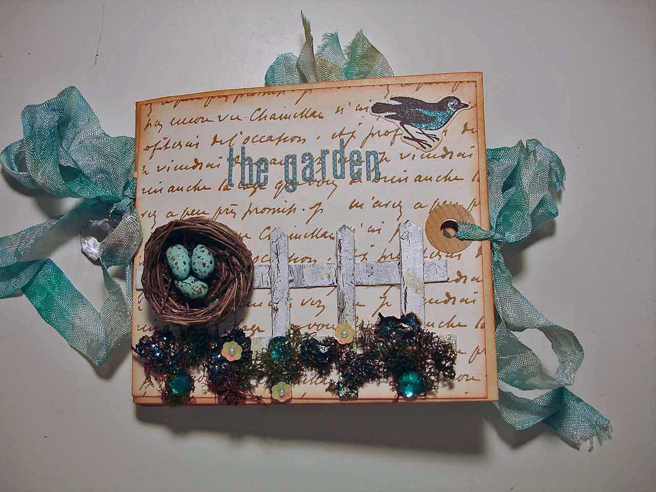 Birds nest mini photo album