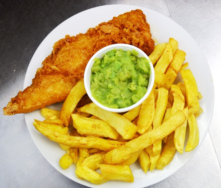 New lunchtime opening times at Molly's Fish & Chips