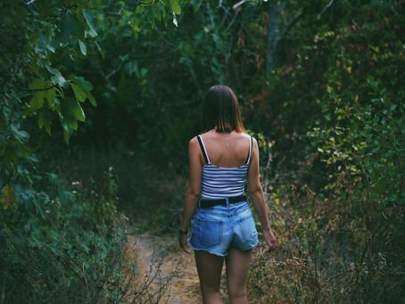 Vyber sa na všímavú prechádzku