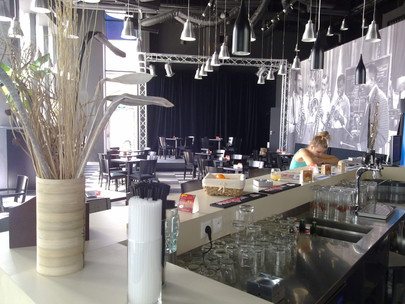 """Music a Cafe Nitra: Náš osud nie je v našich rukách, čakáme na dobu """"po"""""""