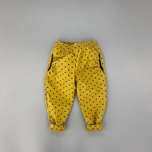 En:Paper - Yellow Dot Pants