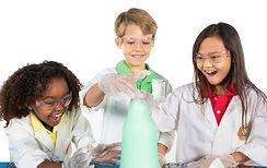 niños jugando con la ciencia