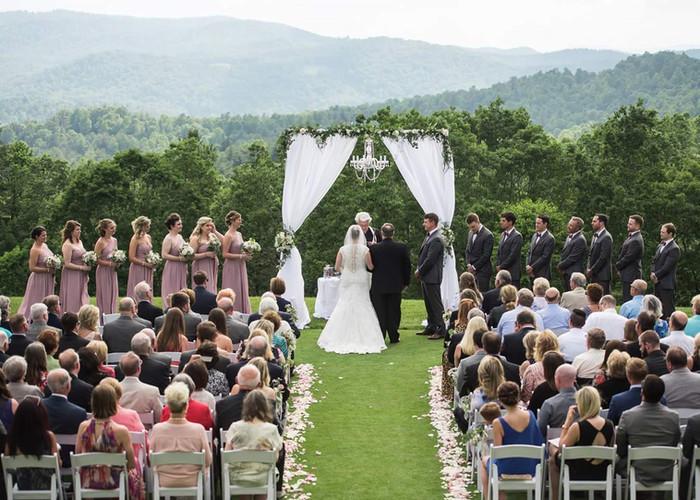 An Outdoor Wedding Creates Lasting Memories