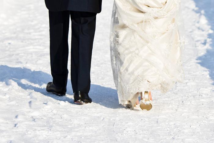 The Gift of Love, a Christmas Wedding