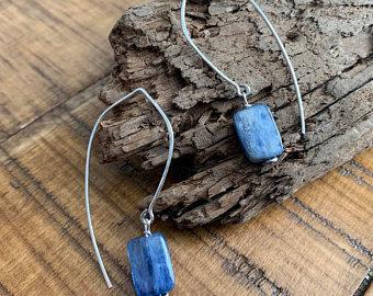 POPPY Blue Kyanite Sterling Dewdrop Threaders