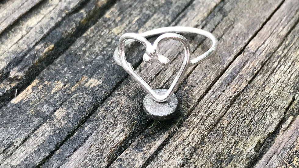 Oh so pretty!  Minimalistic style heart ring in Argentium Silver