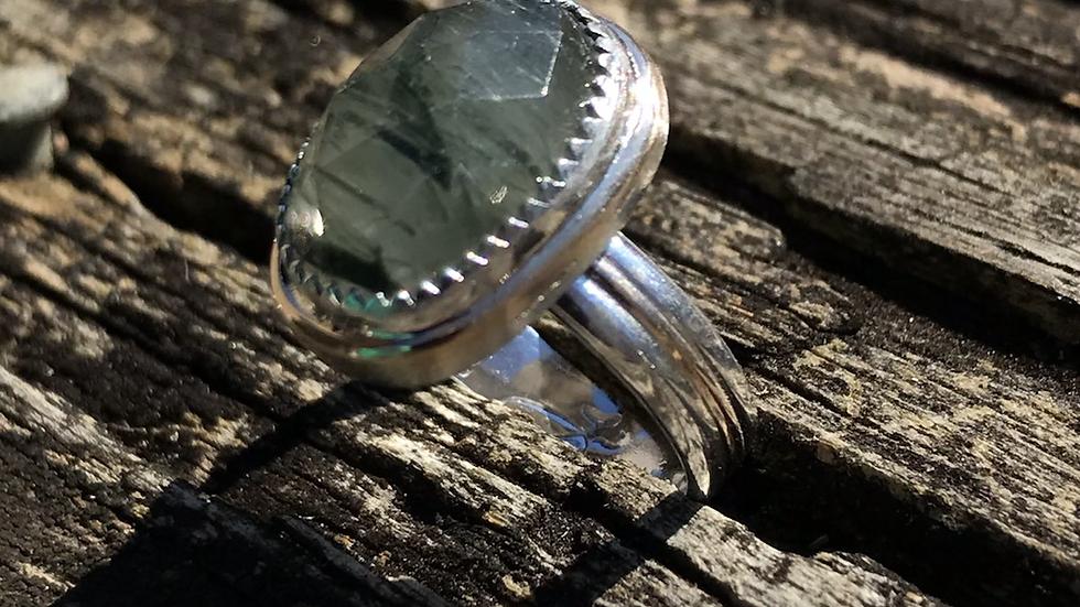 Moss Green Quartz Rosecut ring