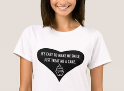 """Treat me a cake"" T-Shirt"