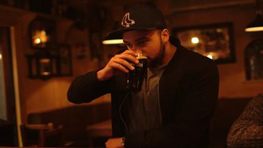 Pionta Guinness le do thoil