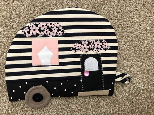 Camper Hot Pad - Chic Black & Pink