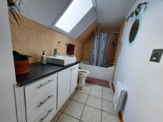 salle_de_bain_étage.jpg