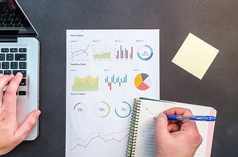 charts-data-desk-669615.jpg