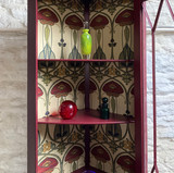 Perfect for  displaying anything from treasured items to even just toiletries in a bathroom,
