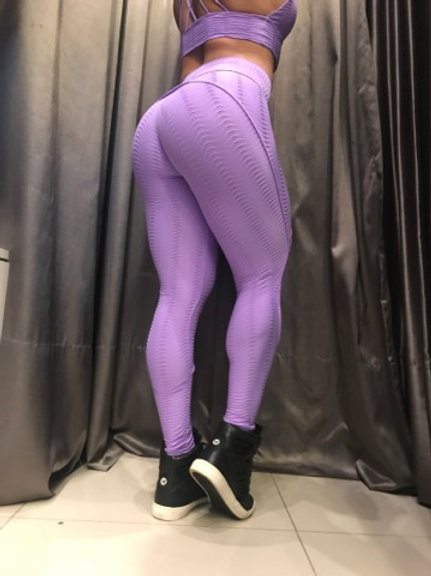 Legging empina bumbum lilás