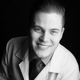 Quiropraxista Luís Henrique Colombo