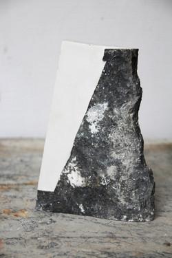 камък