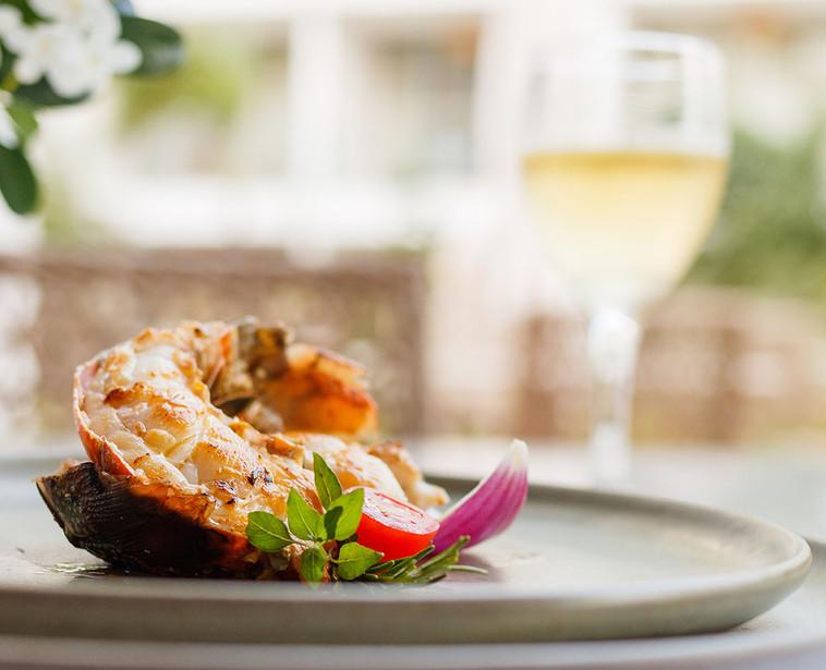 Pratos deliciosos e frutos do mar fresquinhos.