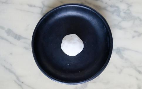 1-Former une boule de pâte.
