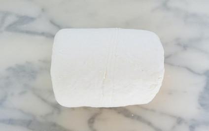 5-Rouler à nouveau la pâte sur elle même