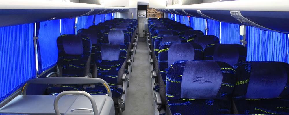 Prendre le bus pour se déplacer en Colombie.